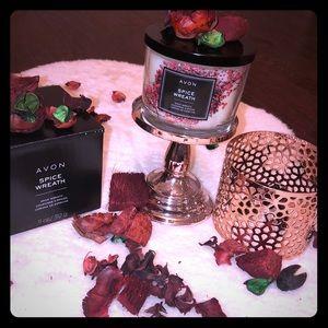 🕯🕯 AVON Spiced Wreath Candle 11 oz
